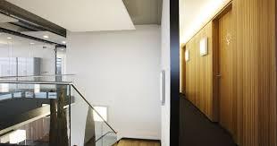 store pour bureau interieur casual architecture de bureau intérieur contemporain avec du