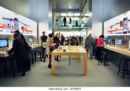 Apple Store Paris Apple Store Mac Stock Photos U0026 Apple Store Mac Stock Images Alamy