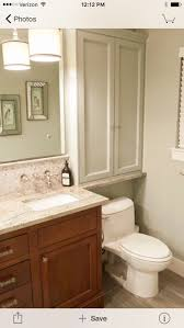 Bathroom Decorating Ideas For Small Bathrooms by Best 20 Small Bathroom Cabinets Ideas On Pinterest Half
