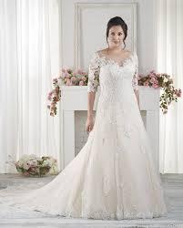 wedding dresses for larger brides the best wedding dresses for arms sleeved wedding dresses