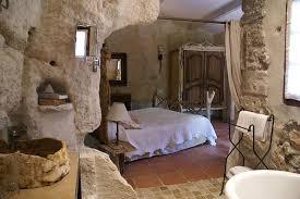 chambre hote troglodyte le d aigret hotel troglodyte aux baux de provence hotels