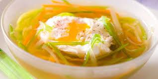 le oeuf bouillon de légumes à l œuf pas cher recette sur cuisine actuelle