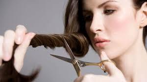 comment se couper les cheveux soi meme les techniques pour couper ses cheveux soi même frange pointes