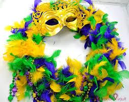 mardi gras boas easy thrifty mardi gras wreath the inspiration vault