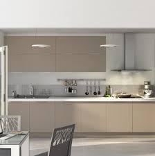 cuisine taupe et gris cuisine taupe et blanc maison design wiblia com