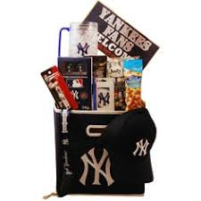 gift baskets nyc new york yankees tailgating gift basket hoping for a win tonight