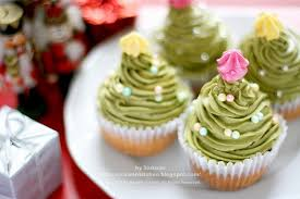 gorgeous christmas cupcake ornaments decorations for holidays