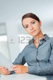 femme nue au bureau femmes d affaires professionnelles qui travaillent ensemble au