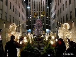 christmas tree lighting 2018 new york city holiday lights tour department store windows markets