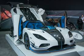 koenigsegg one engine koenigsegg u0027s one off 1 360 hp agera rs1 invades new york to define