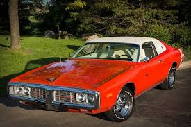 pictures of 1973 dodge charger dodge charger has to bumblebee stripes