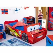 chambre garcon 2 ans chambre enfant cars disney lit enfant cars meubles cars