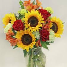 How To Design Flowers In A Vase Amherst Florist Flower Delivery By Atkins Farms Flower Shop