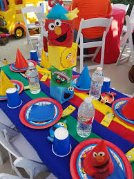 Ideas For Centerpieces For Birthday Party by Best 10 Sesame Street Centerpiece Ideas On Pinterest Sesame