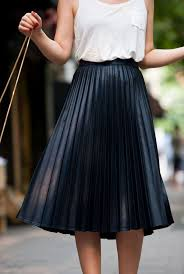 pleated skirts types of pleated skirt thefashiontamer