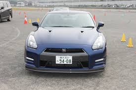 nissan skyline vs fuga nissan gt r closed course unprofessional driver the truth