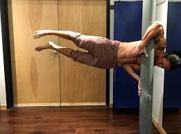 Flag Pole Workout How To Master The Human Flag