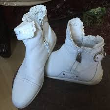 Travel fox shoes 100 white leather sneakers poshmark