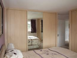 Closet With Mirror Doors Mirror Sliding Closet Doors Mirrored Closet Doors Makeover Ideas