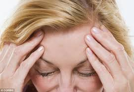 flashing lights in eye stroke migraine sufferers who see lights and blind spots are at more risk