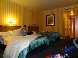 chambre hotel york disney la chambre classique picture of disney s hotel york chessy