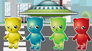 learn colors with gummy bear and spaceship colours for kids