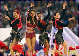 selena gomez s thanksgiving halftime show performance now