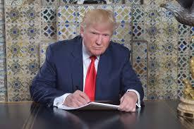 trump s desk donald trump tweets from writing desk at mar a lago