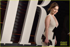 Vanity Fair After Oscar Party Emilia Clarke Rocks Deep Plunge At Vanity Fair Oscar Party Photo