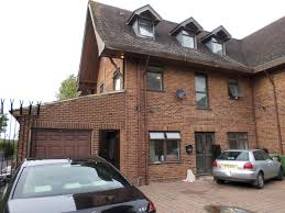studio flat to rent jersey road osterely the right property 4 u