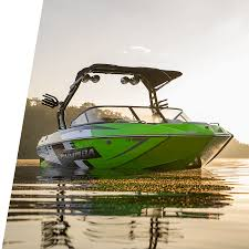 moomba mondo boat at 21 feet versatility small powerful