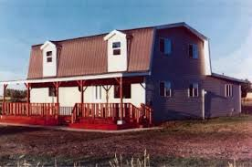 Gambrel Style House Gambrel Roof Style House Plans House And Home Design