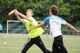 Intramural Flag Football Flag Football Und Ultimate Frisbee Martin Von Cochem Gymnasium