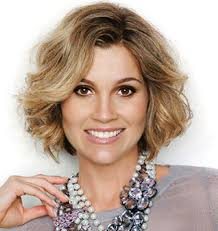 hairstyles for women over 40 short hair
