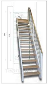 gerade treppe gerade treppe massivolztreppe aus fichte und eiche mit geländer