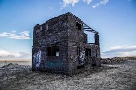 abandoned house off of route 1 in iceland 5472 x 3648 oc