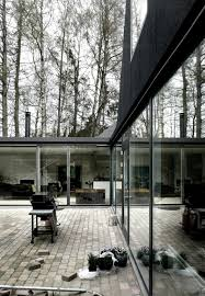 minimalistic roof house in fredensborg denmark