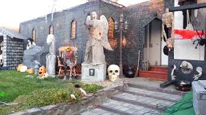 Pictures Of Houses Decorated For Halloween 31 of the best decorated halloween houses gallery ebaum u0027s world
