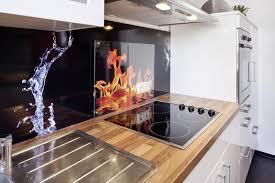 glaspaneele küche küchen werden zu wohnfühlräumen hat der fliesenspiegel