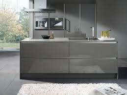 cuisine en gris quelles couleurs pour les murs dune cuisine aux meubles gris