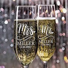 wedding gift glasses mr and mrs chagne wedding glasses set of 2