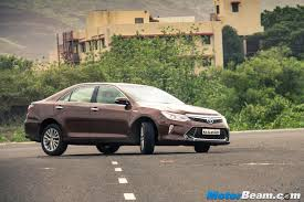 2015 toyota camry hybrid test drive review