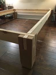 fabriquer une table pliante cranté cèdre bois facilement pile avec pas d u0027outils pour faire un