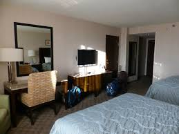 hotel chambre avec chambre avec tv table et fauteuil photo de circus circus