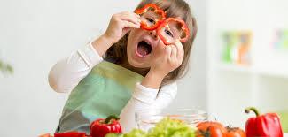 cuisine avec enfant s amuser dans la cuisine avec les enfants de 5 à 8 ans