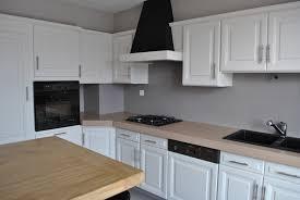 cuisine à rénover rénover une cuisine rustique le bois chez vous
