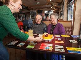 thanksgiving traditions continue at area restaurants