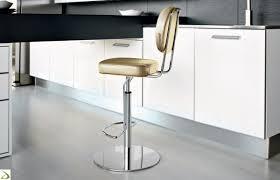 sgabelli regolabili in altezza sgabello regolabile in altezza bonbon arredo design