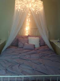 Bed Canopy 7 Dreamy Diy Bedroom Canopies Icicle Lights Canopy And Lights