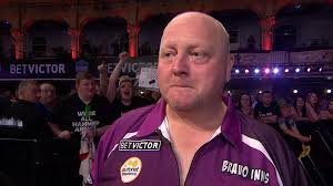 raymond van barneveld beaten by andy hamilton at world matchplay
